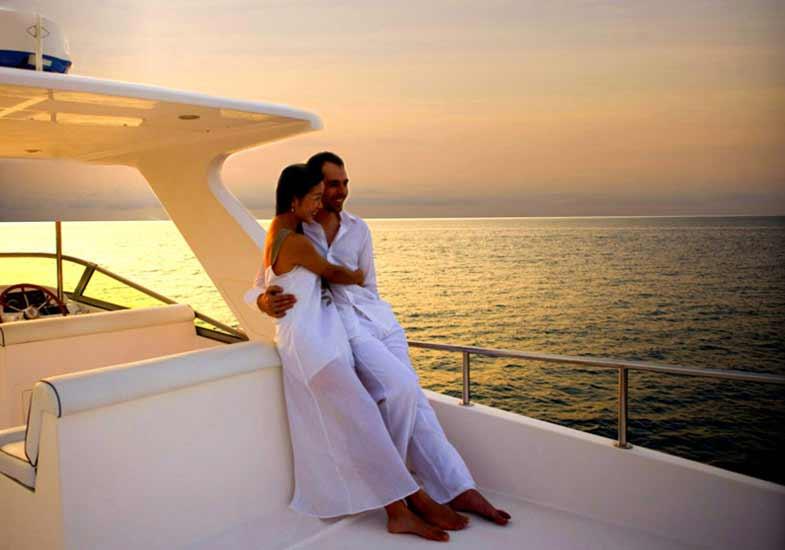 Romantic Sunset Cruise in Dubai - Cruise in Dubai