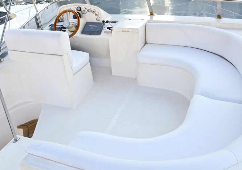 Luxurious 42 Feet Yacht Sports Boat