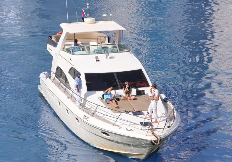 Best Vacation on the 55 Feet Luxury Yacht