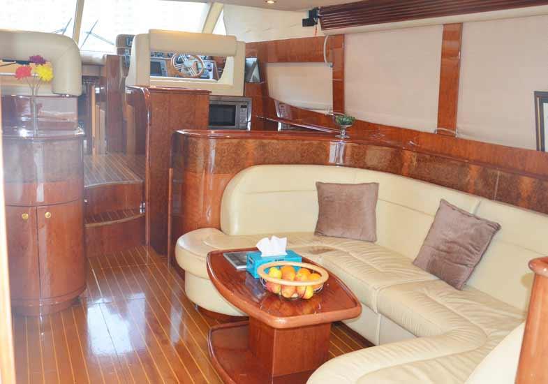 Luxurious 55 Feet Yacht Living Room